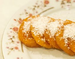Pumpkin pie with salty coconut flakes (12pcs)
